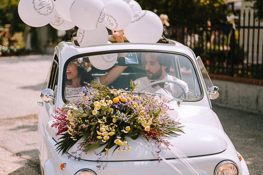 Fotografo matrimonio Padova, arrivo degli sposi con palloncini