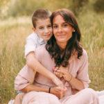 fotografo stefania montin famiglia mamma figlio tramonto
