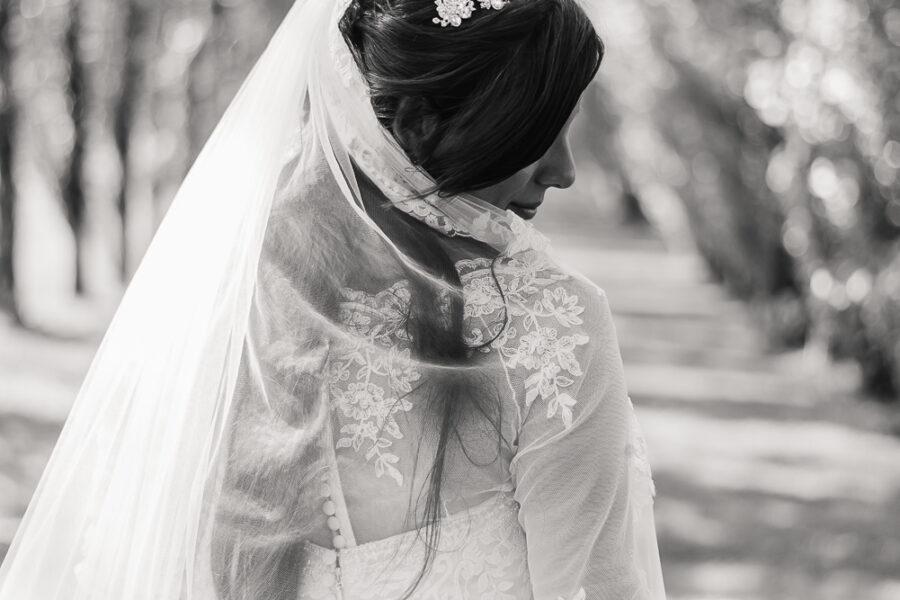 Sposa con velo. Fashio Photography